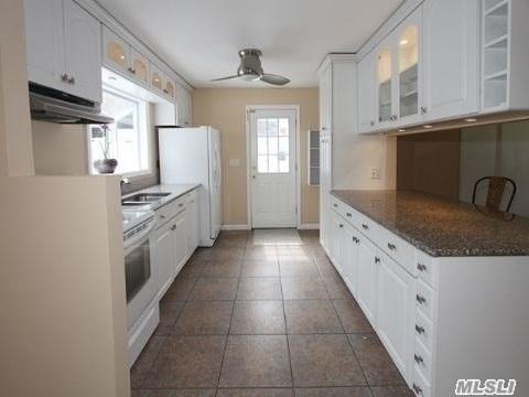 Residential, Colonial - Huntington, NY (photo 3)