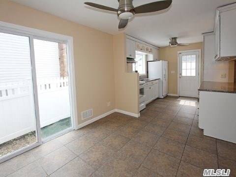 Residential, Colonial - Huntington, NY (photo 4)