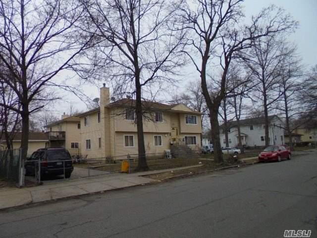 704 Broadway, Westbury, NY - USA (photo 4)