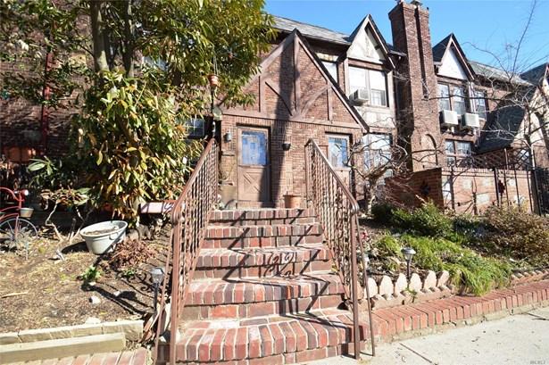 Tudor, Residential - Bayside, NY (photo 2)