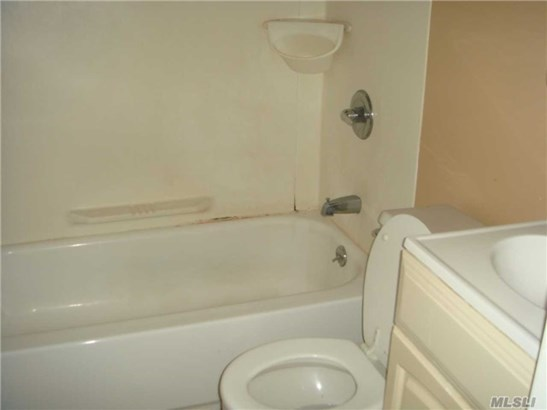 Rental Home, House Rental - Roslyn Heights, NY (photo 3)