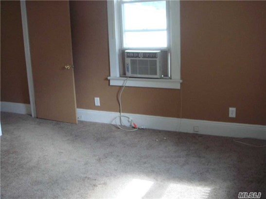 Rental Home, House Rental - Roslyn Heights, NY (photo 4)