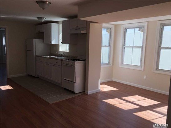 Rental Home, Apt In Bldg - Oyster Bay, NY (photo 1)