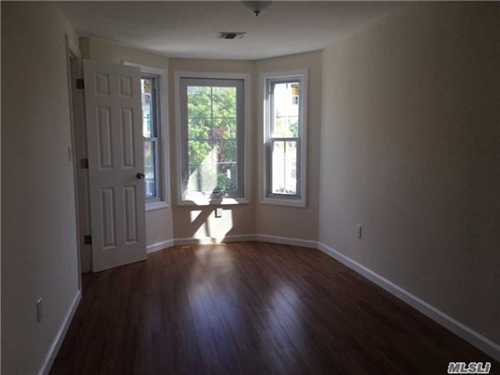 Rental Home, Apt In Bldg - Oyster Bay, NY (photo 5)