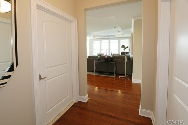 Residential, Condo - Westbury, NY (photo 3)