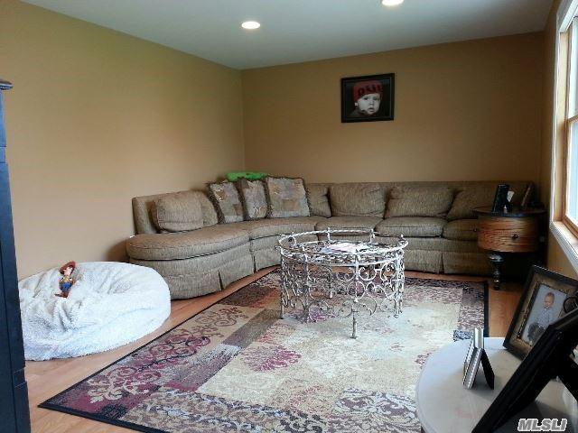 Residential, Ranch - Centereach, NY (photo 2)
