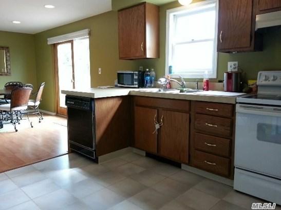 Residential, Ranch - Centereach, NY (photo 4)