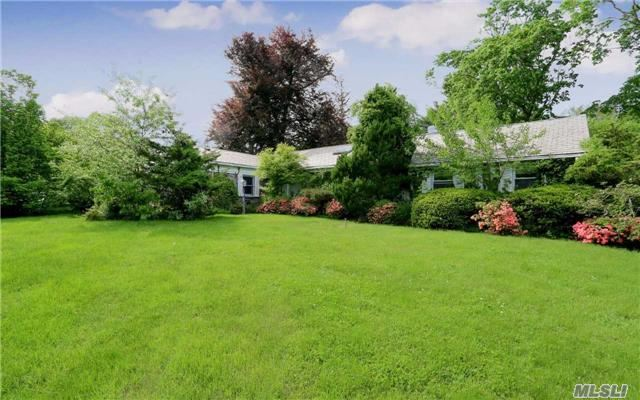 Residential, Ranch - Old Westbury, NY (photo 1)