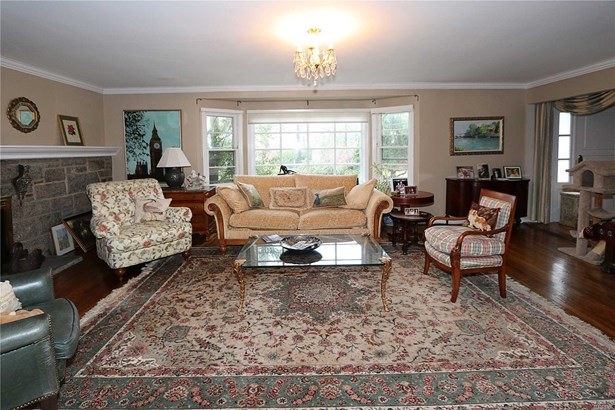 Residential, Ranch - Great Neck, NY (photo 4)