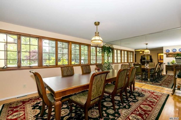 Exp Ranch, Residential - Old Westbury, NY (photo 4)