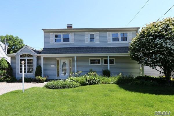 Residential, Exp Cape - Westbury, NY (photo 1)