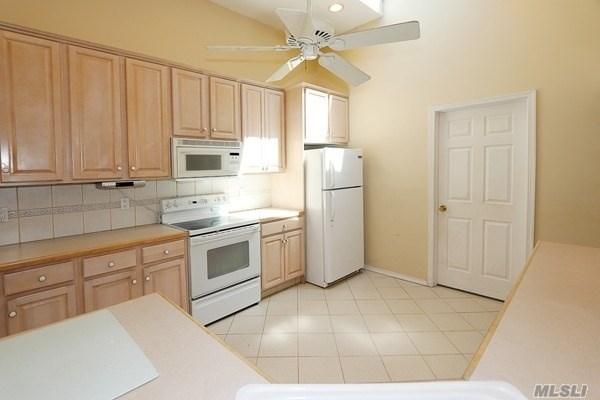 Residential, Exp Cape - Westbury, NY (photo 4)