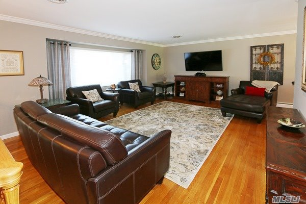 Residential, Hi Ranch - Glen Cove, NY (photo 2)