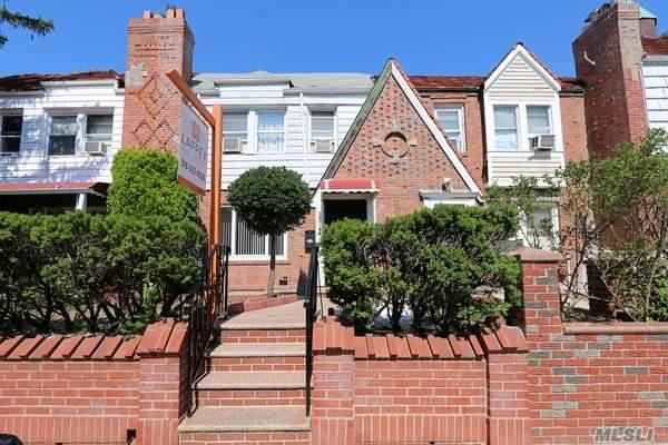 Tudor, Residential - Laurelton, NY (photo 1)