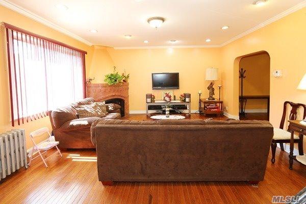 Tudor, Residential - Laurelton, NY (photo 4)