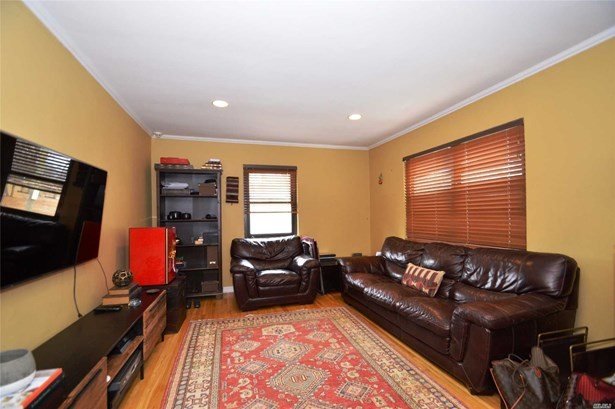 Co-Op, Residential - Bayside, NY (photo 3)
