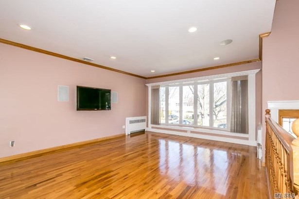 Rental Home, Split - Glen Cove, NY (photo 2)