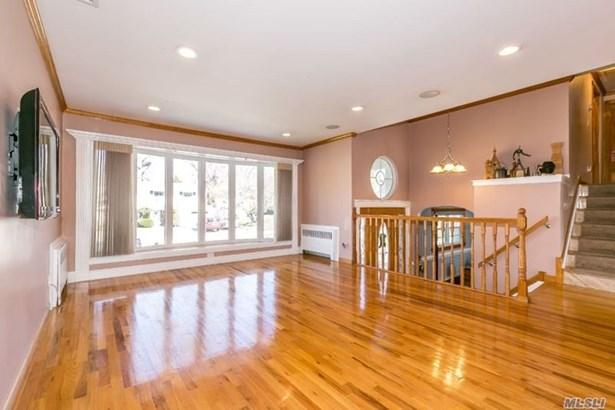 Rental Home, Split - Glen Cove, NY (photo 3)