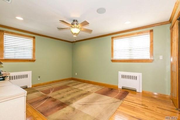 Rental Home, Split - Glen Cove, NY (photo 5)