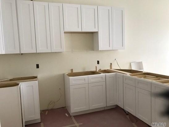 Rental Home, Apt In Bldg - Farmingdale, NY (photo 5)