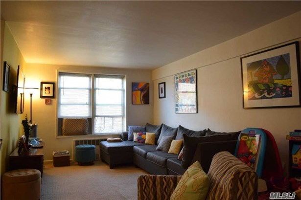 Co-Op, Residential - Jackson Heights, NY (photo 2)
