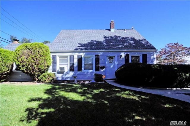 Residential, Exp Cape - Levittown, NY (photo 2)