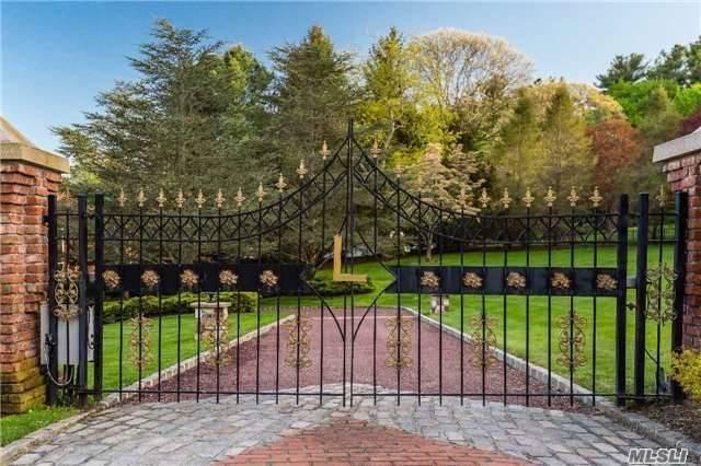 Tudor, Residential - Nissequogue, NY (photo 2)
