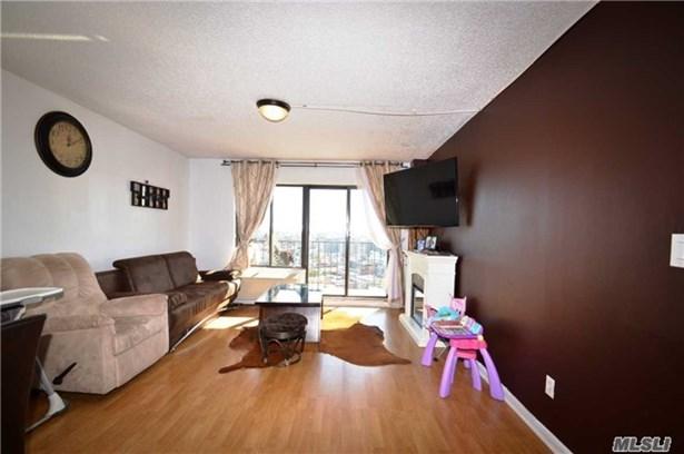 Rental Home, Condo - Astoria, NY (photo 3)
