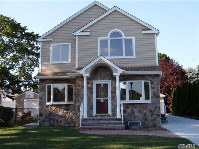 Rental Home, Colonial - New Hyde Park, NY (photo 1)