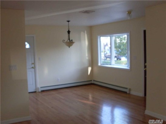 Rental Home, Colonial - New Hyde Park, NY (photo 2)