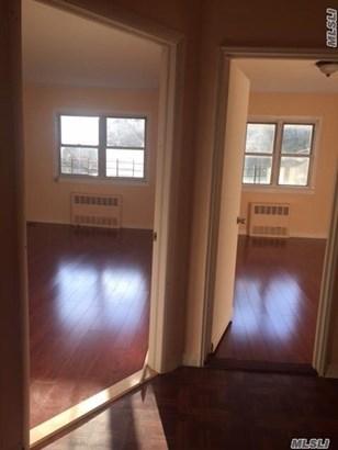Rental Home, Colonial - Elmhurst, NY (photo 2)