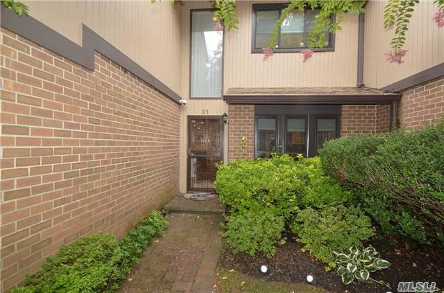 Residential, Condo - Roslyn, NY (photo 2)
