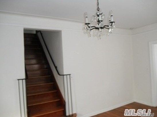 Rental Home, Colonial - Oyster Bay, NY (photo 3)