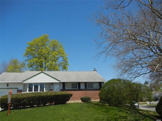 Residential, Ranch - Old Bethpage, NY (photo 2)