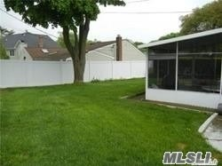 Residential, Ranch - Old Bethpage, NY (photo 4)