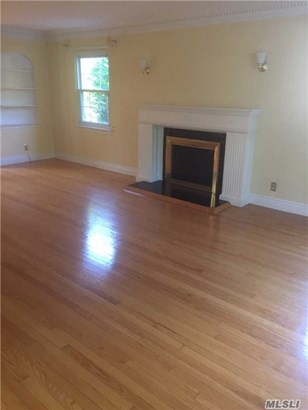 Rental Home, Colonial - Manhasset, NY (photo 3)