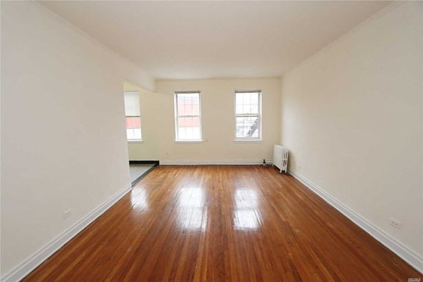 Rental Home, Apt In Bldg - Great Neck, NY (photo 4)