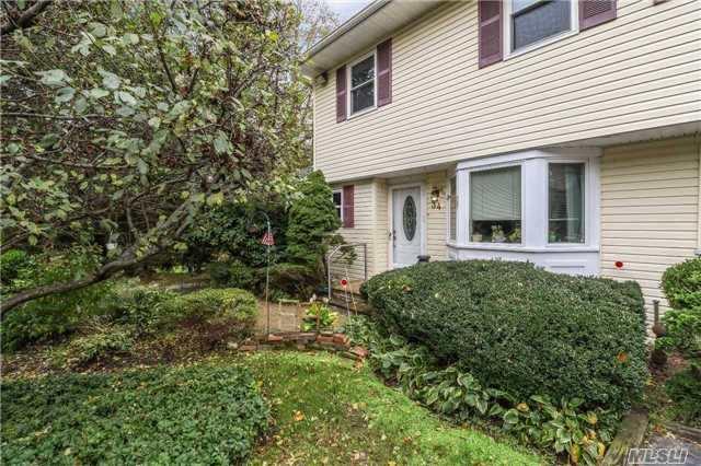 Residential, Condo - Woodbury, NY (photo 1)