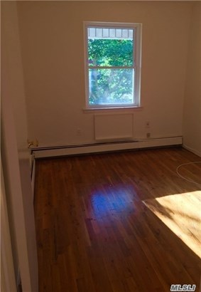 Rental Home, Apt In House - Bellerose, NY (photo 4)