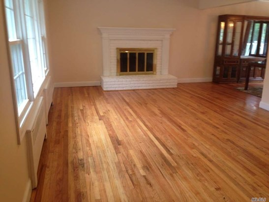 Rental Home, Colonial - Roslyn, NY (photo 3)