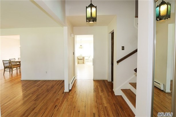 Residential, Split - Manhasset Hills, NY (photo 3)
