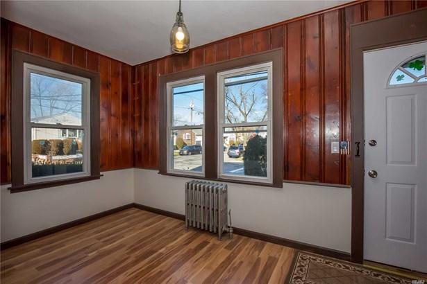 Rental Home, Colonial - Williston Park, NY (photo 3)