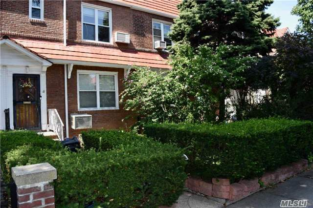 Residential, Colonial - Jackson Heights, NY (photo 1)
