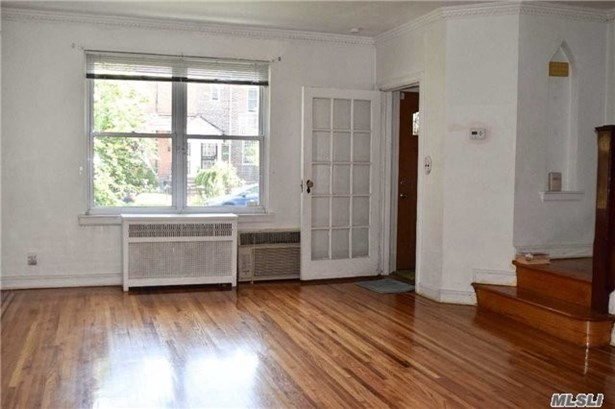 Residential, Colonial - Jackson Heights, NY (photo 3)