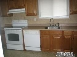 Rental Home, Split - Douglaston, NY (photo 4)