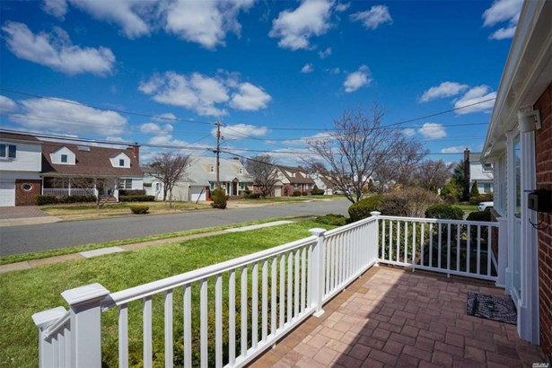 199 Guildford Ct, Lakeview, NY - USA (photo 3)