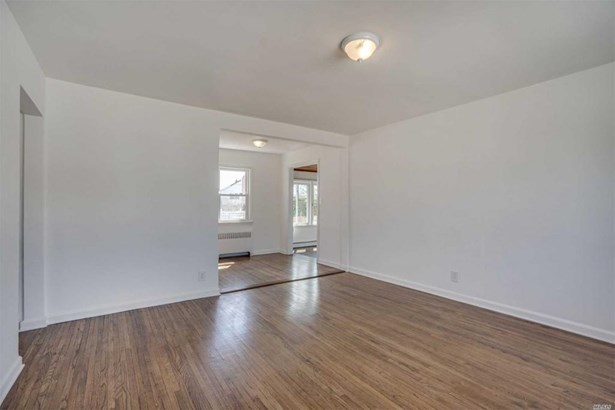 199 Guildford Ct, Lakeview, NY - USA (photo 4)