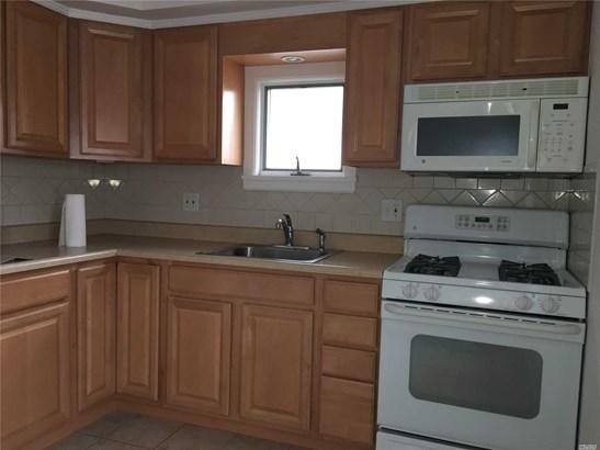 Rental Home, Apt In House - Mineola, NY (photo 5)