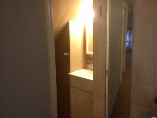 Rental Home, Apt In House - Elmhurst, NY (photo 4)
