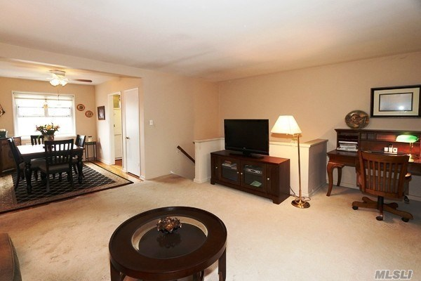 Co-Op, Residential - Bellerose Manor, NY (photo 5)